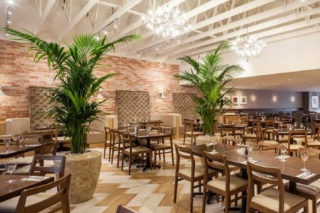 Oakwoods completely refurbished this large open plan restaurant.