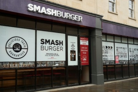 American burger chain Smashburger have engaged Oakwoods to fit-out their 4th UK restaurant in the historic city of Bath, Shopfront Works