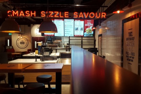 US Burger Chain Smashburger will soon be opening their 2nd gourmet burger restaurant in Scotland at the Fife Leisure Park, Dunfermline.